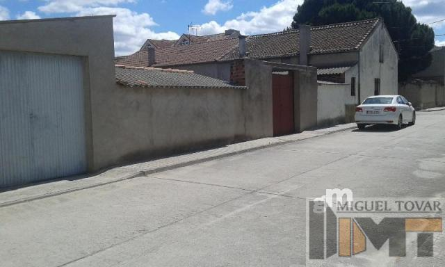 For sale of house in Navas de Oro