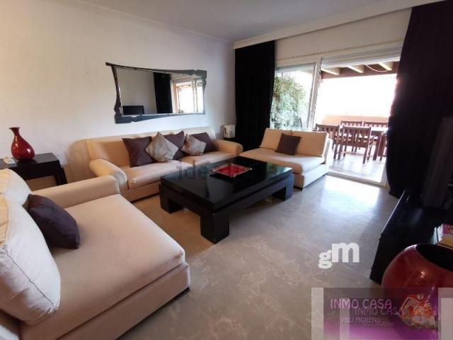 For rent of duplex in Nueva Andalucía