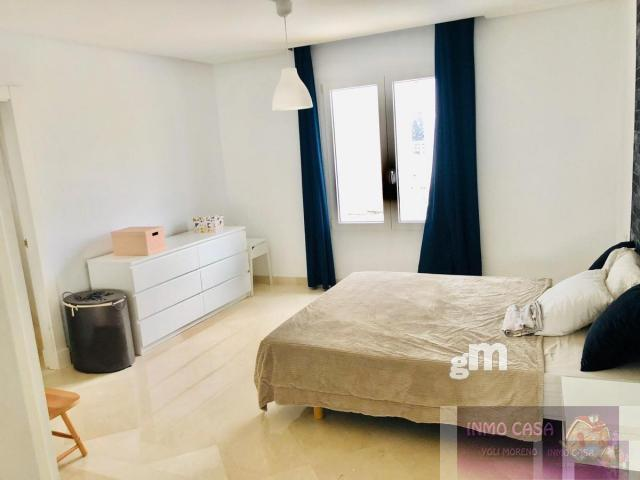 For rent of penthouse in Nueva Andalucía