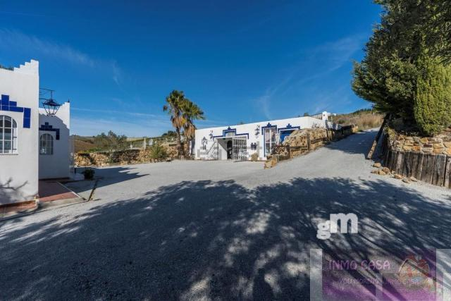 For rent of villa in Casares