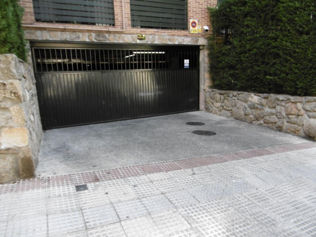 For sale of garage in Las Rozas