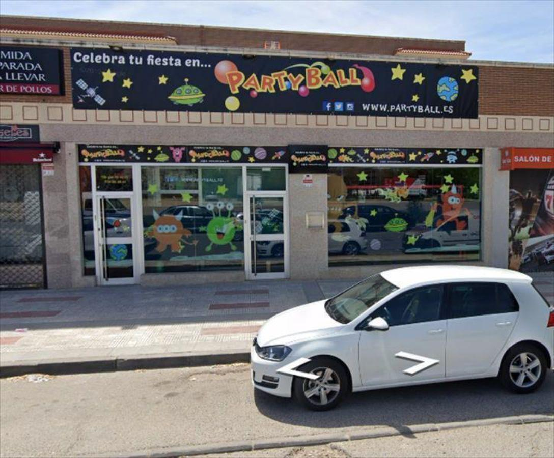 For rent of commercial in Humanes de Madrid