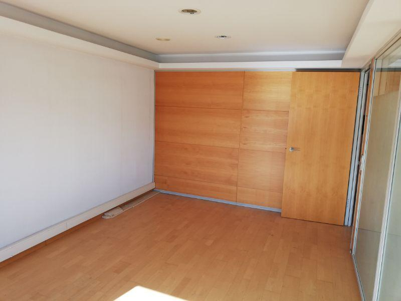 For sale of office in Almería