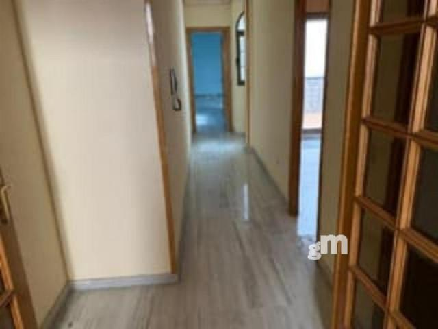 For sale of flat in Almería