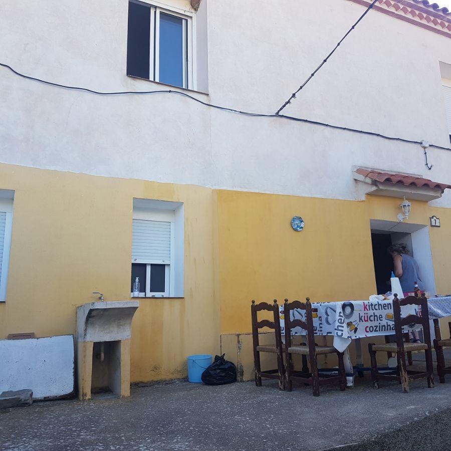 For sale of house in Benizalón