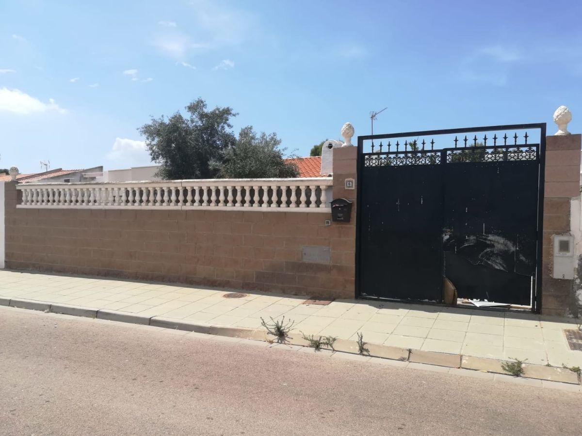 For sale of house in Retamar