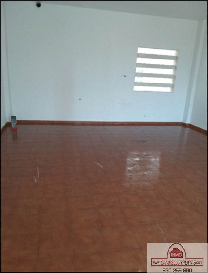 For sale of commercial in Relleu