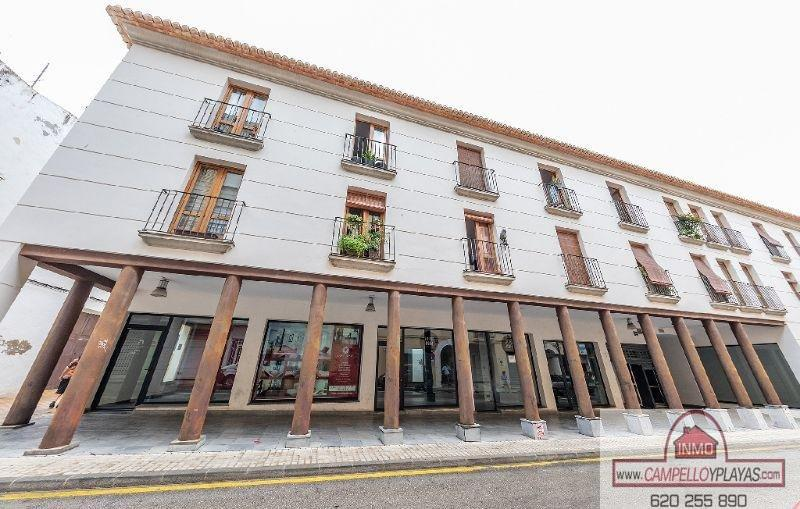 For sale of commercial in Dénia