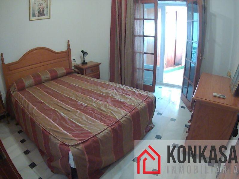 For sale of flat in Arcos de la Frontera