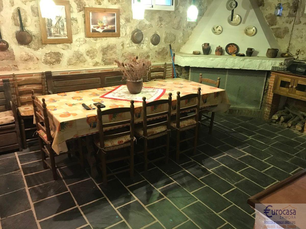 For sale of chalet in Villaralbo