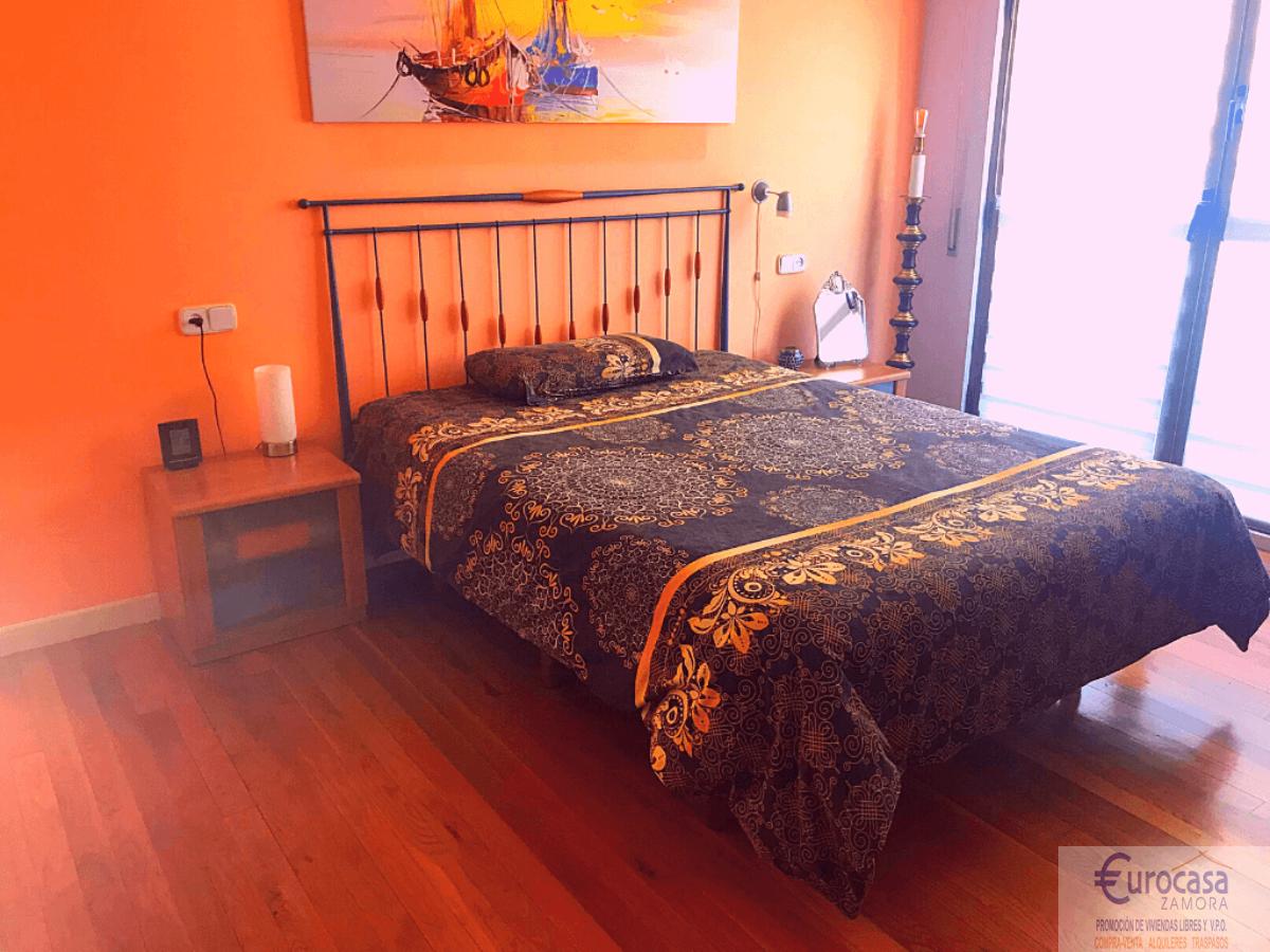 For sale of duplex in Zamora