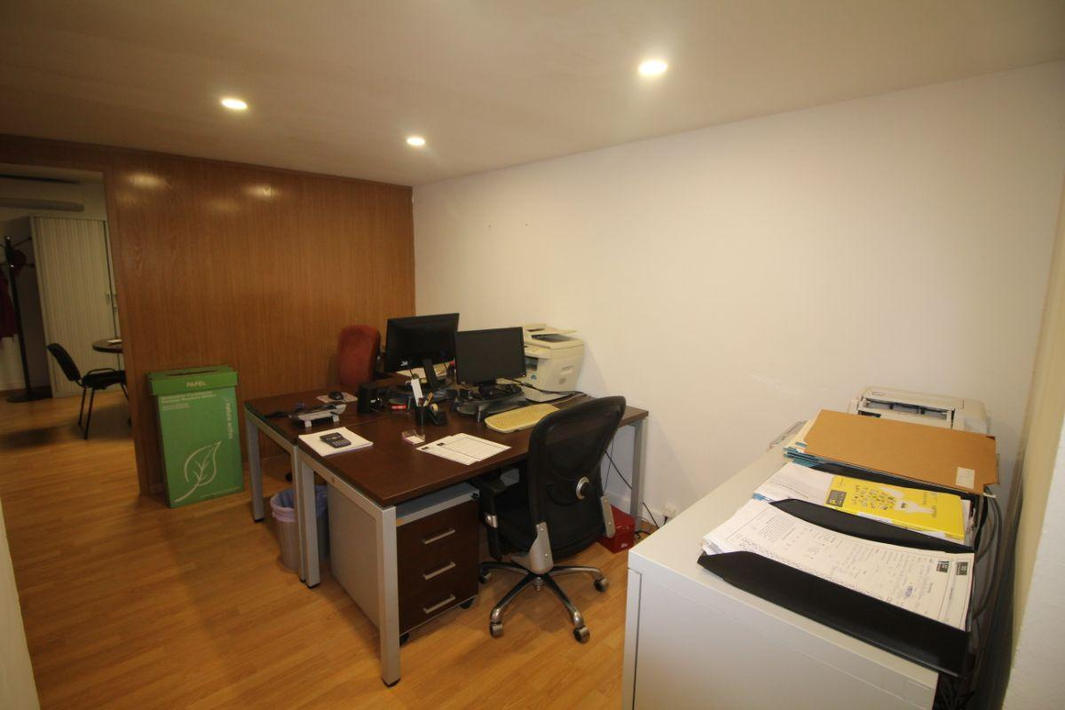 For sale of office in Barcelona