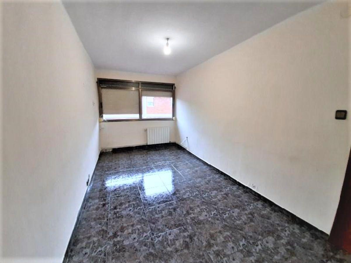 For sale of flat in Cornellà de Llobregat