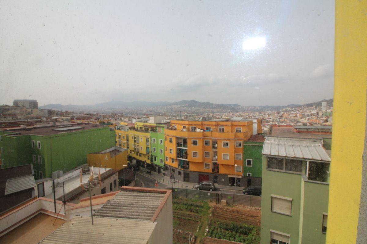 For sale of flat in Santa Coloma de Gramanet