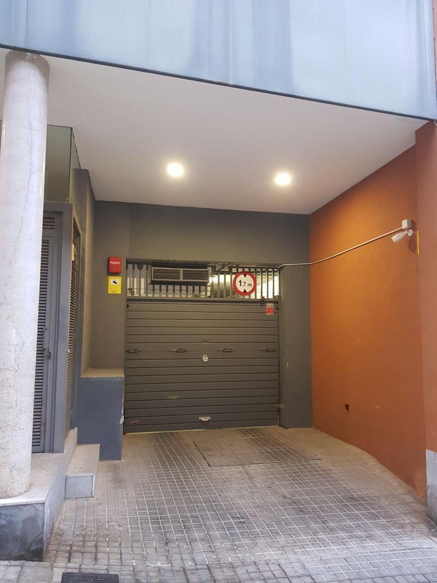 For sale of garage in Barcelona