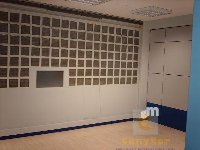 For sale of office in Madrid