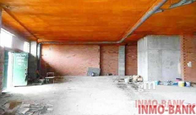 For rent of commercial in Grove O