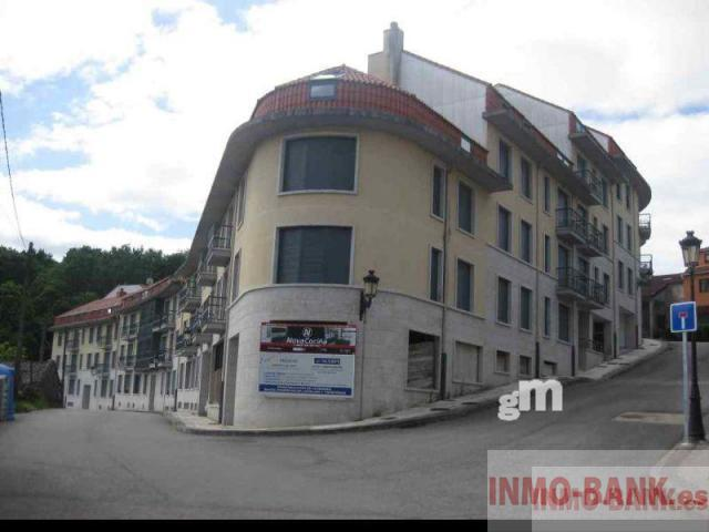 For sale of commercial in Mondariz