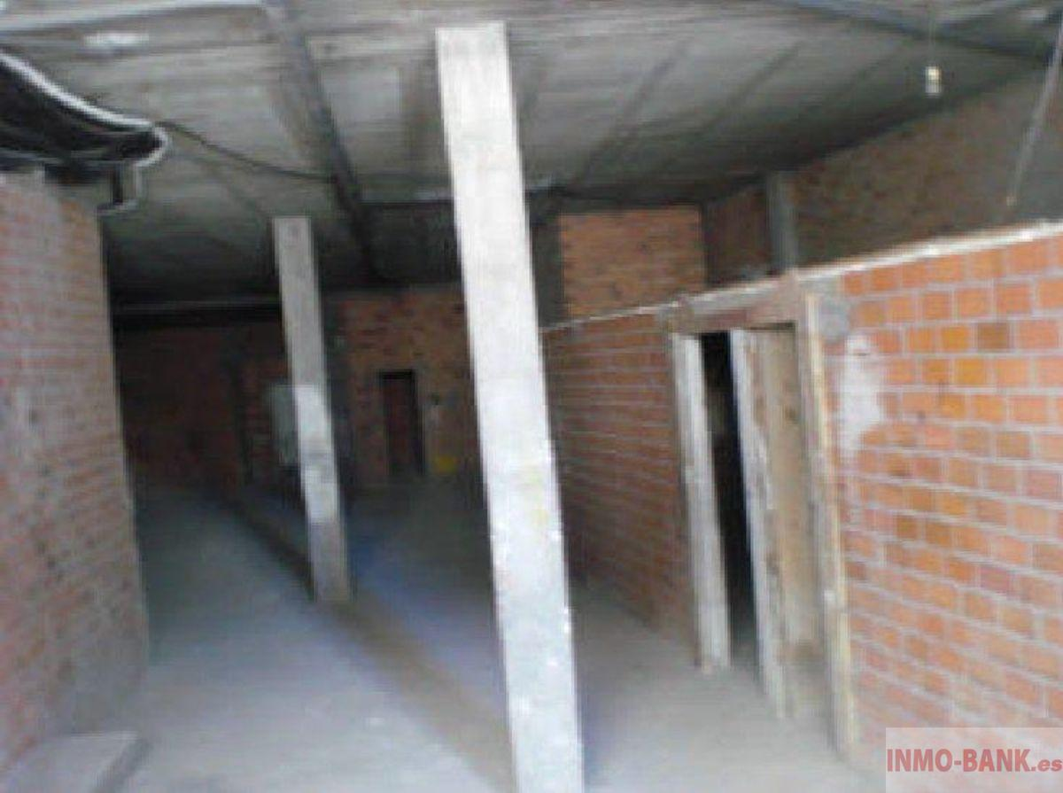 For sale of commercial in A Guarda