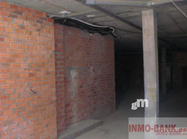 For rent of commercial in A Guarda
