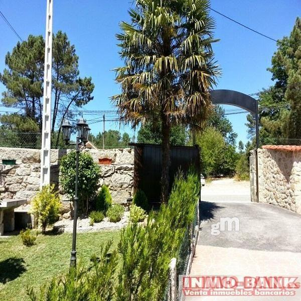 For rent of commercial in Ponteareas