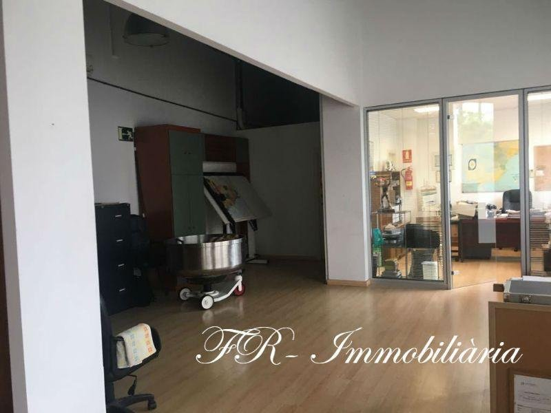 For sale of commercial in Sabadell