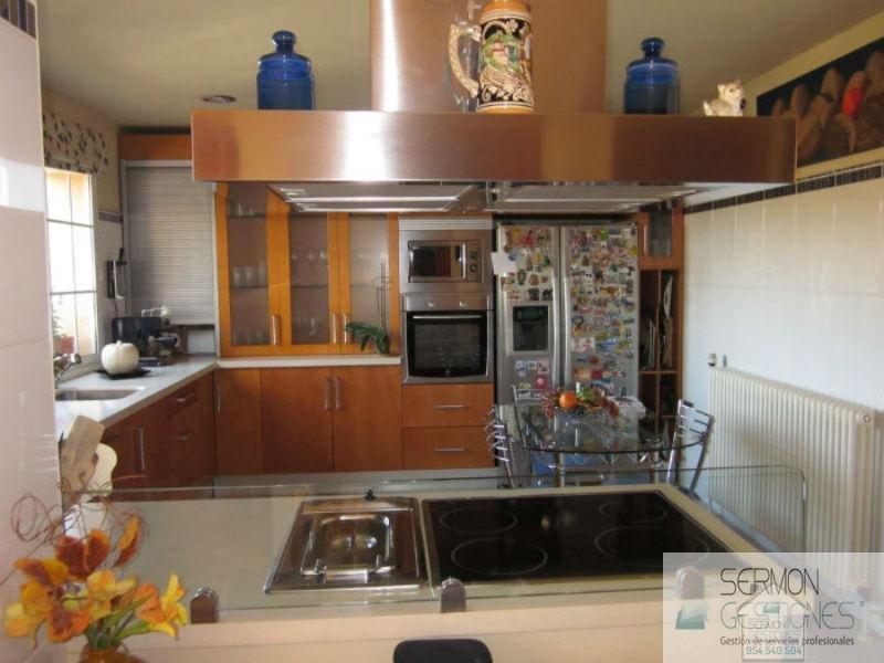 For sale of chalet in Tomares
