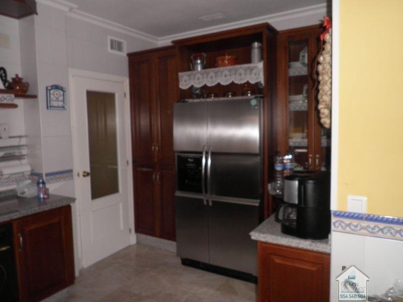 For sale of chalet in Dos Hermanas