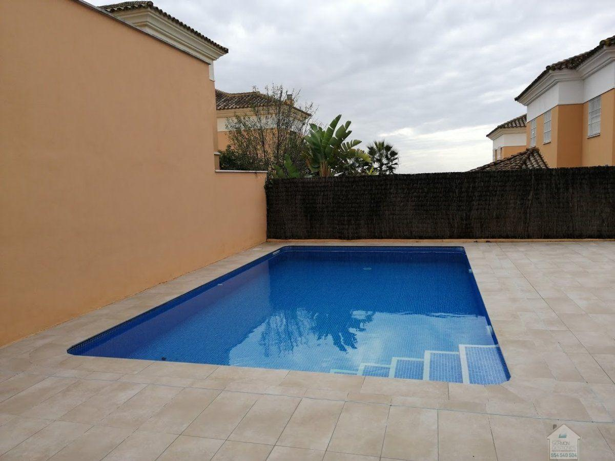 For rent of chalet in Dos Hermanas