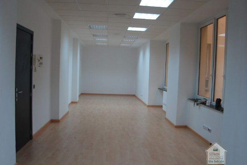 For rent of office in Sevilla