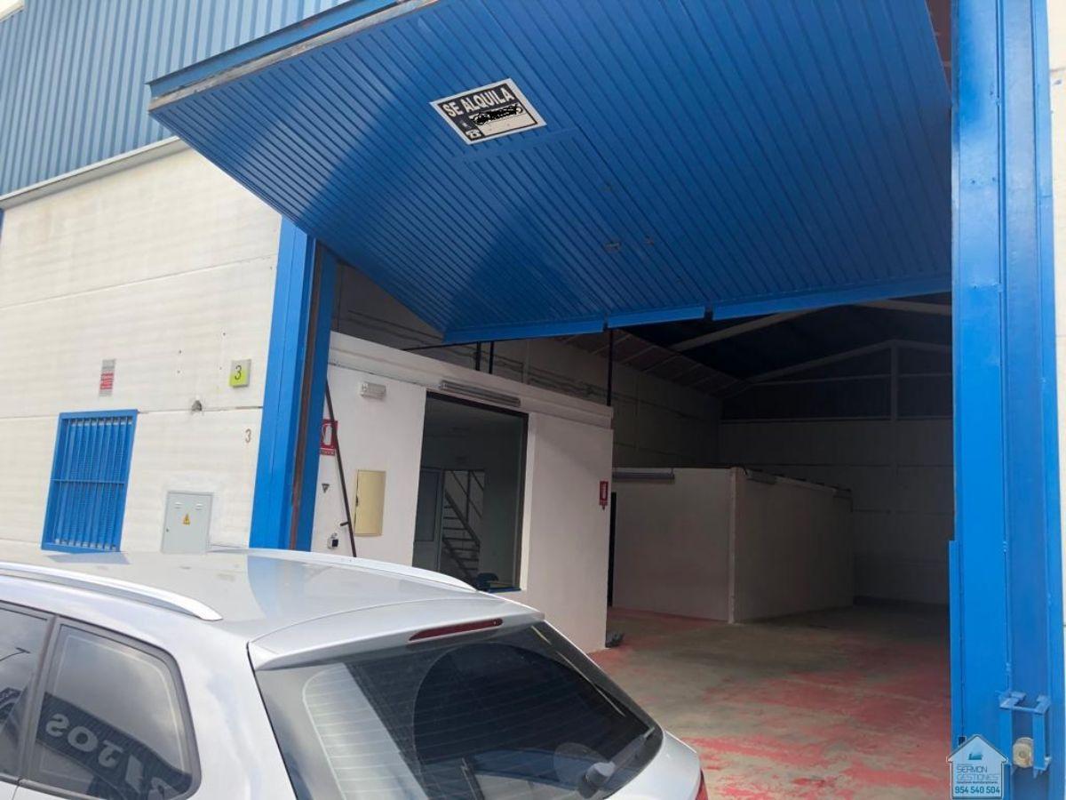 Venta de nave industrial en Valencina de la Concepción