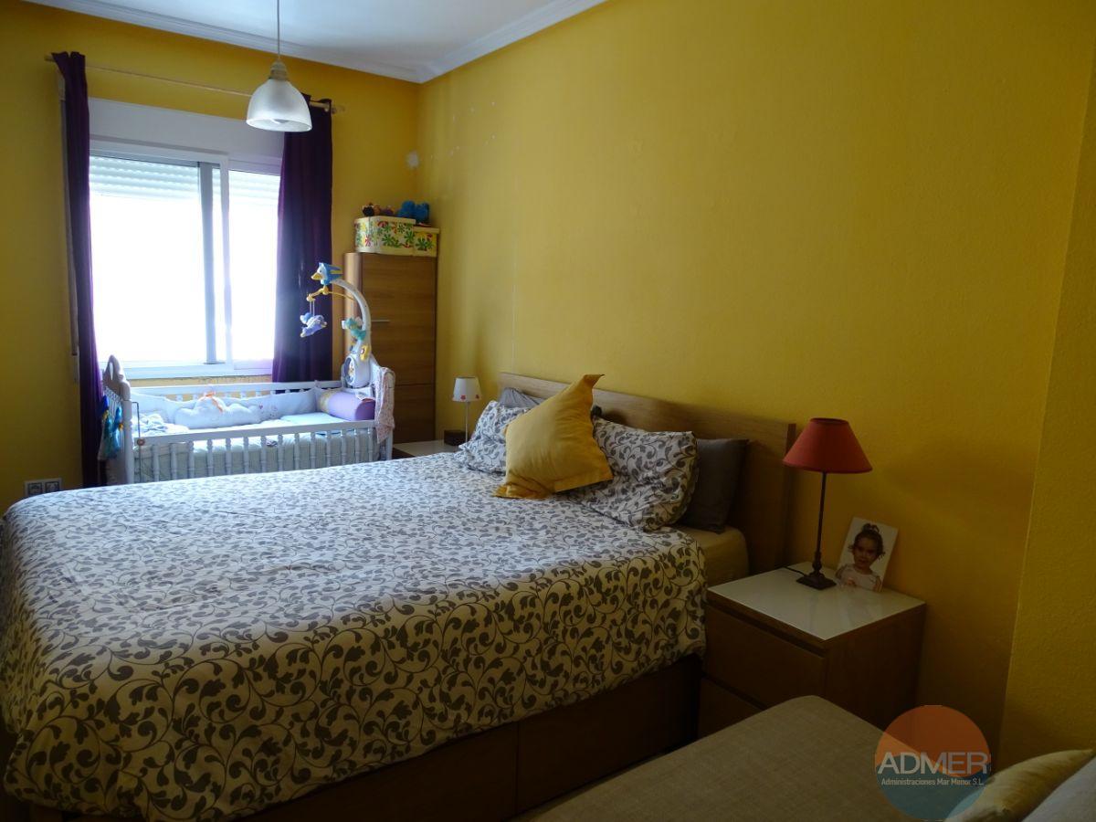 For sale of duplex in Los Alcázares