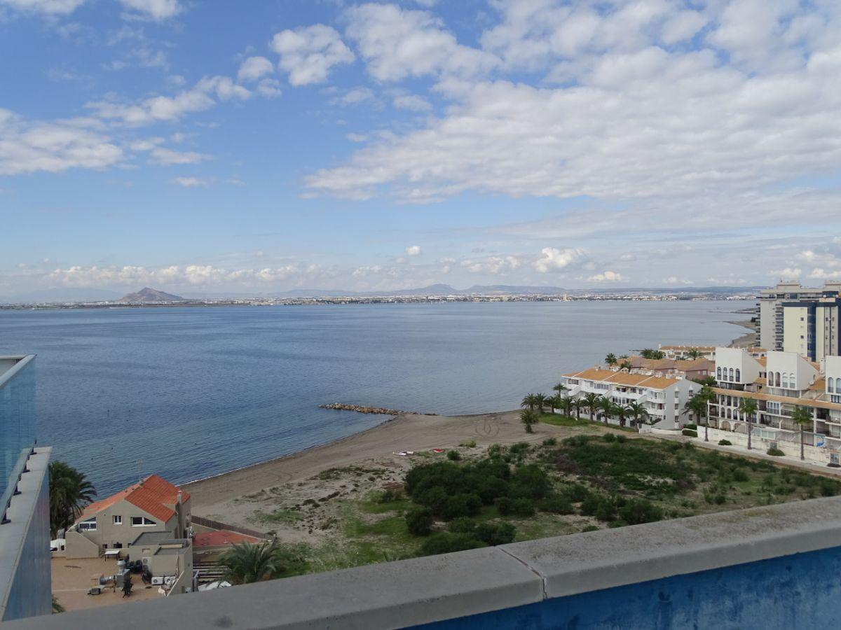 For sale of penthouse in La Manga del Mar Menor