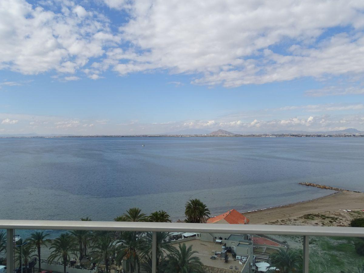 For sale of apartment in La Manga del Mar Menor