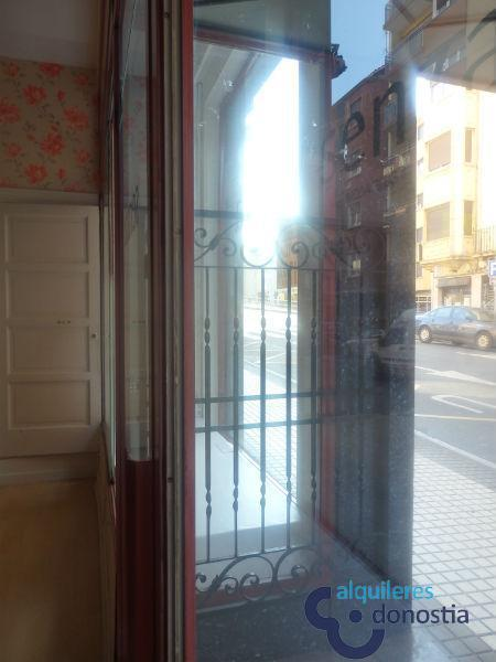 For rent of commercial in Irun
