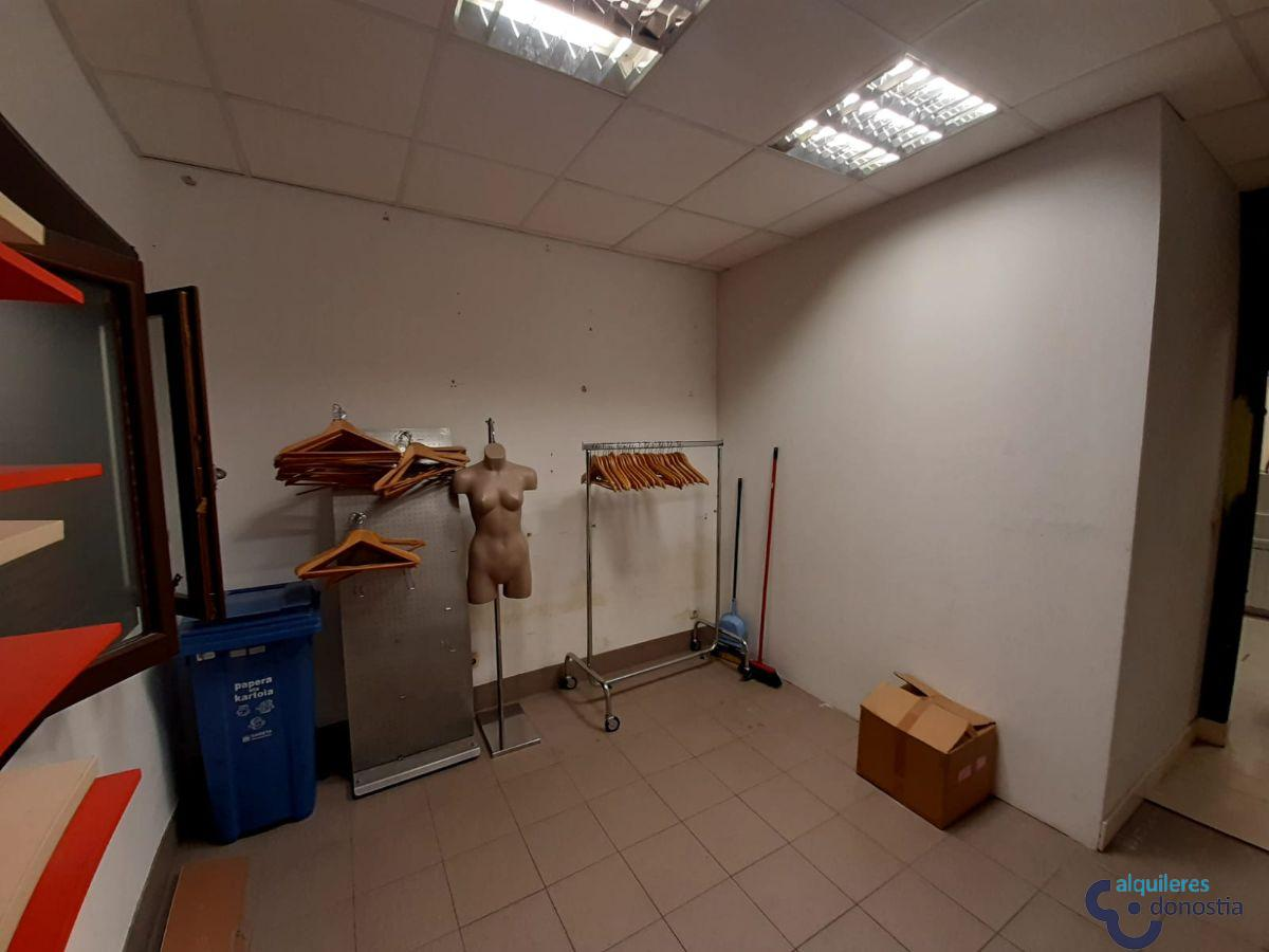 For rent of commercial in Ordizia