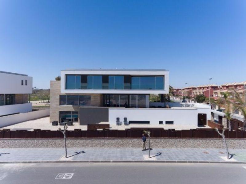Venta de villa en Pilar de la Horadada