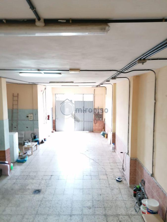 For rent of commercial in La Laguna