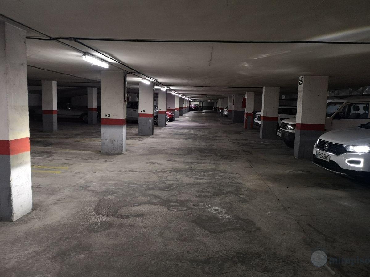 For sale of garage in Santa Cruz