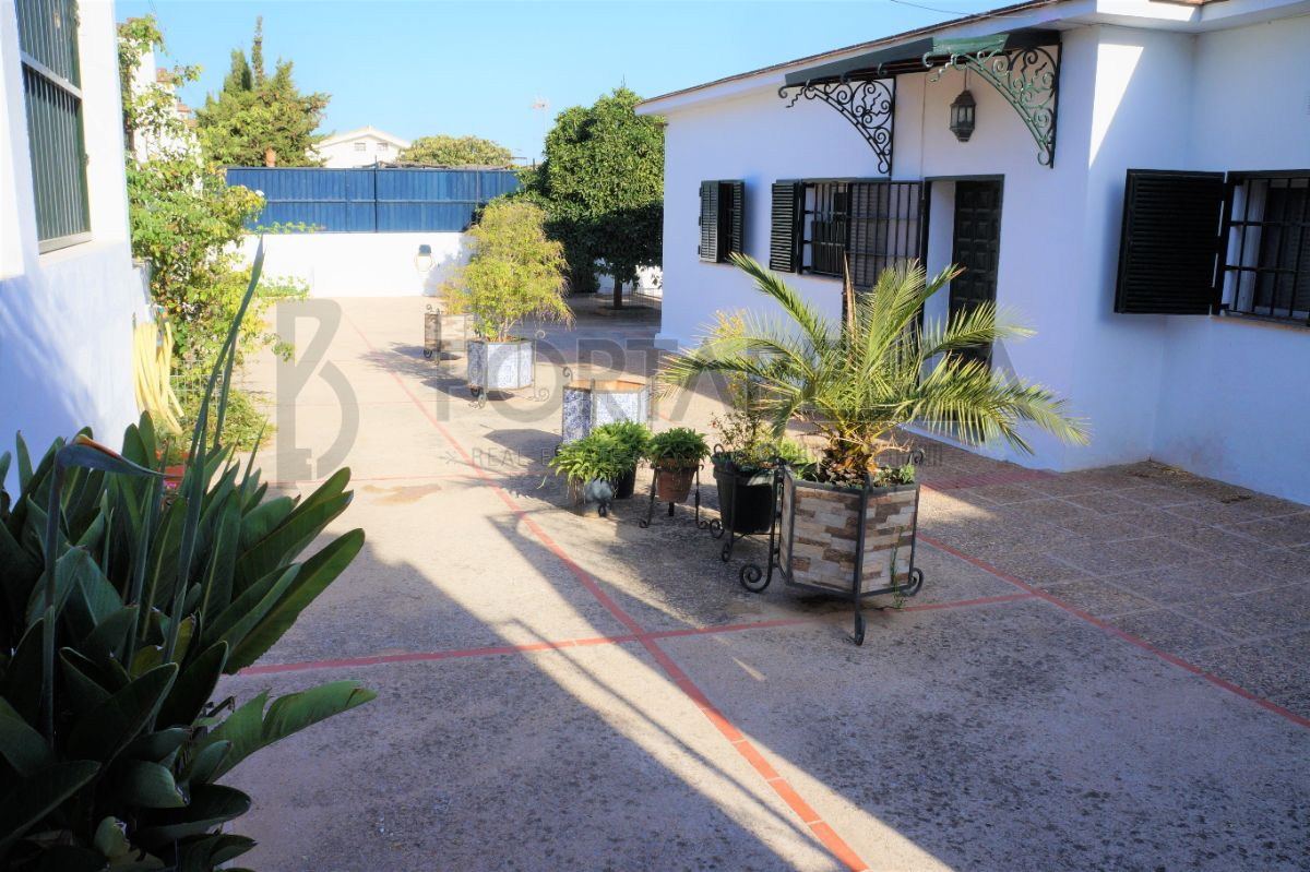 For sale of house in El Puerto de Santa María