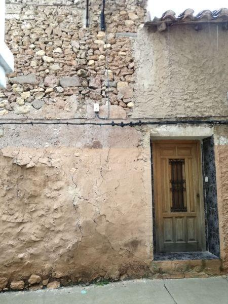 For sale of flat in Arcos de las Salinas