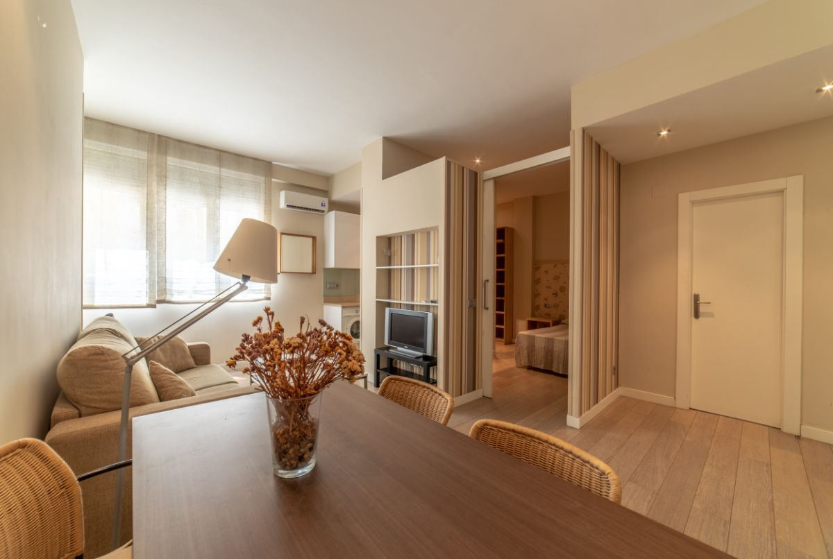 For sale of apartment in Madrid