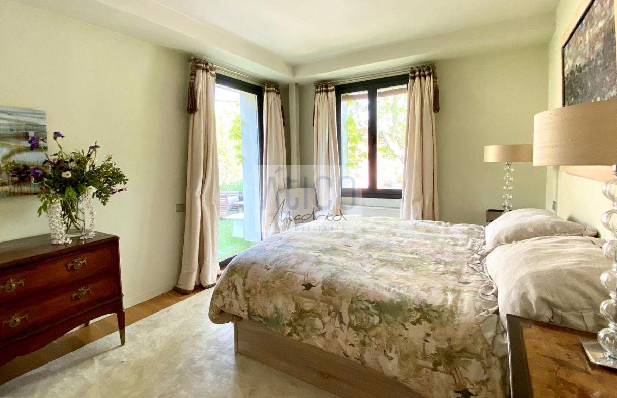 For rent of chalet in Madrid