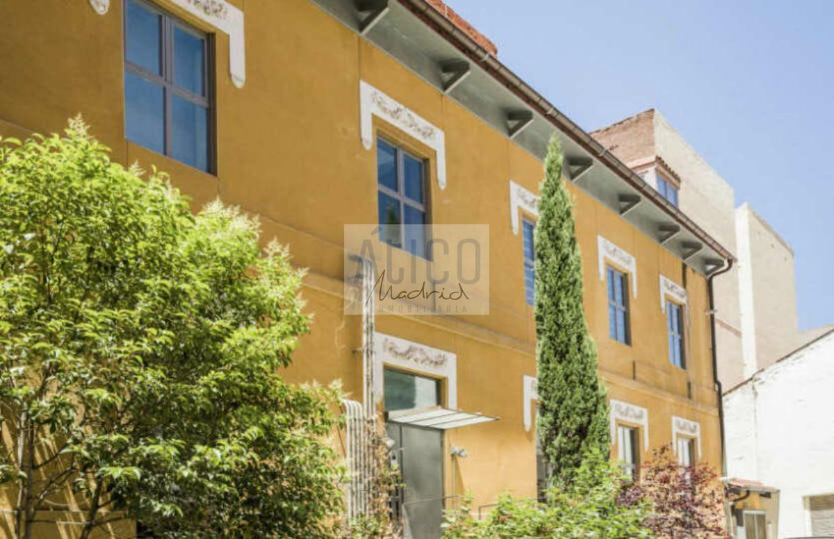 For rent of duplex in Madrid