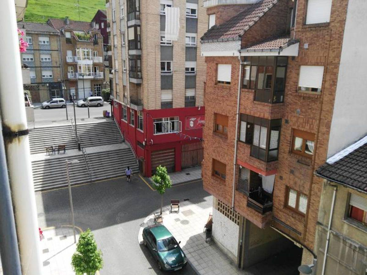 For sale of flat in Laviana