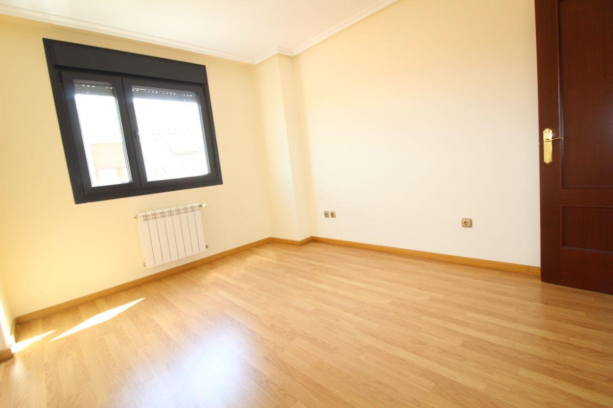 For sale of flat in Noreña Concejo