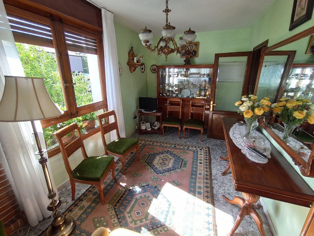 For sale of house in Villaviciosa