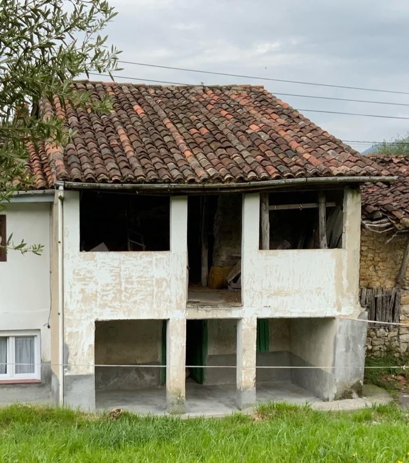 Venta de planta baja en Piloña