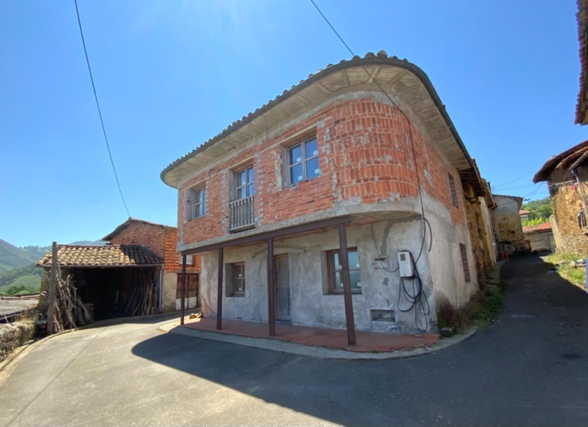 Venta de casa en Piloña