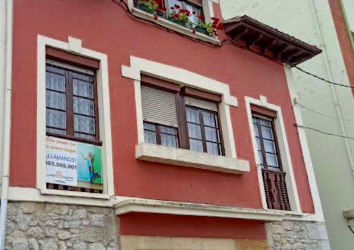 For sale of flat in Piloña